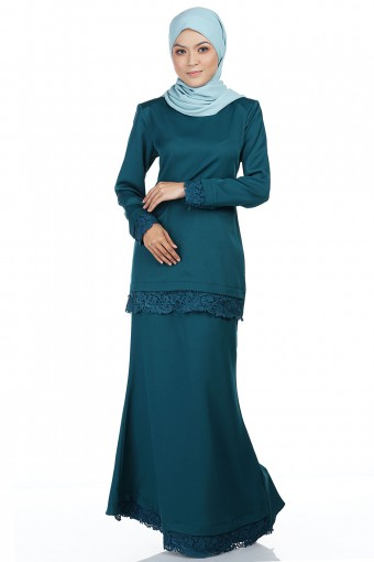 MAISHARA KURUNG with Prada Lace