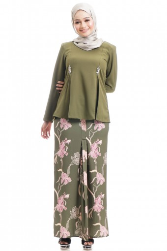 FARRANIA KURUNG WITH INVERTED PLEATS