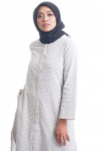 GEMA TOP WITH HIDDEN BUTTON